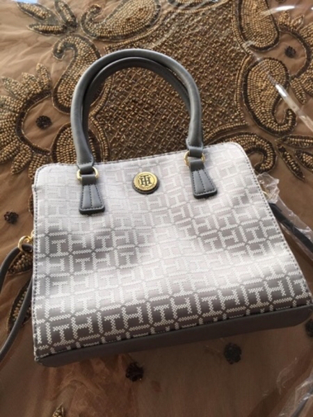 Used Authentic Tommy Hilfiger bag brand new in Dubai, UAE