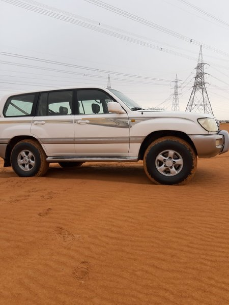Used TOYOTA LAND CRUISER in Dubai, UAE