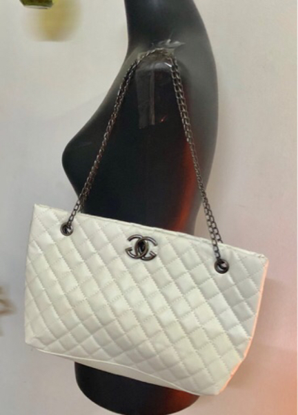 Used CHANEL COPIED BAG in Dubai, UAE