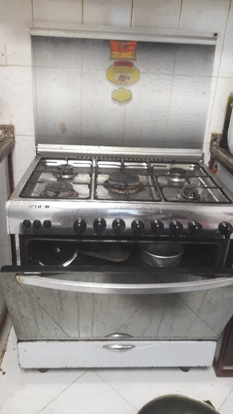Used AFTERON BRAND 5 BURNER COOKER with oven in Dubai, UAE