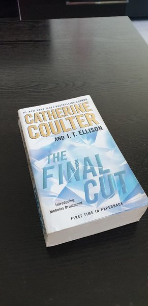 Used Catherine Coulter - The final cut in Dubai, UAE