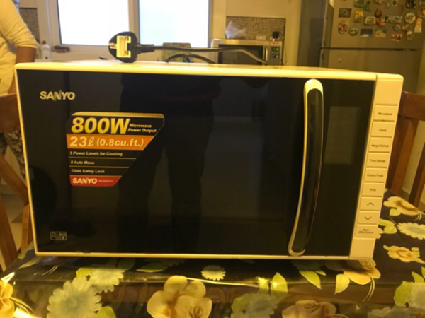 Used Sanyo Microwave  in Dubai, UAE