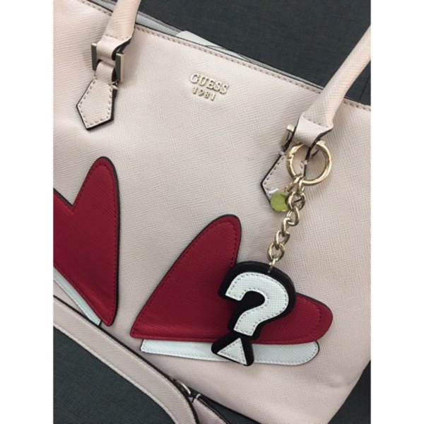 Used Brand new guess bag with free bag charm in Dubai, UAE