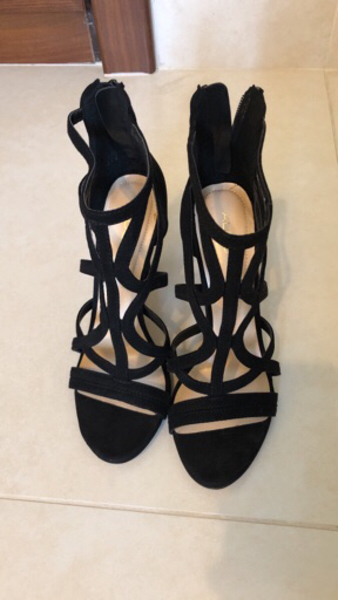 Used Aldo Black sandals in Dubai, UAE