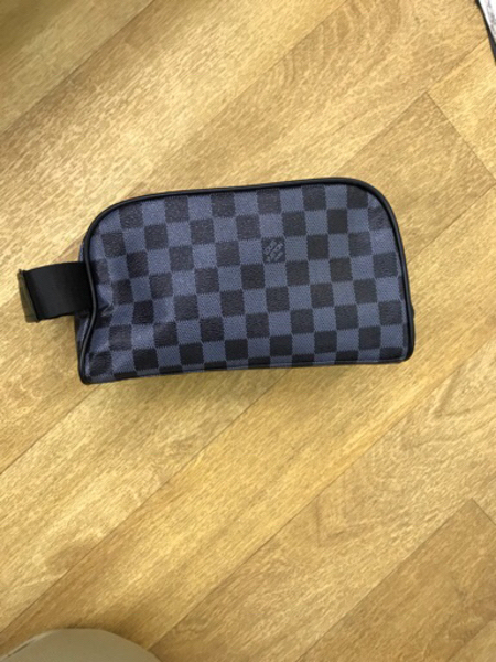 Used Lv pouch bag in Dubai, UAE