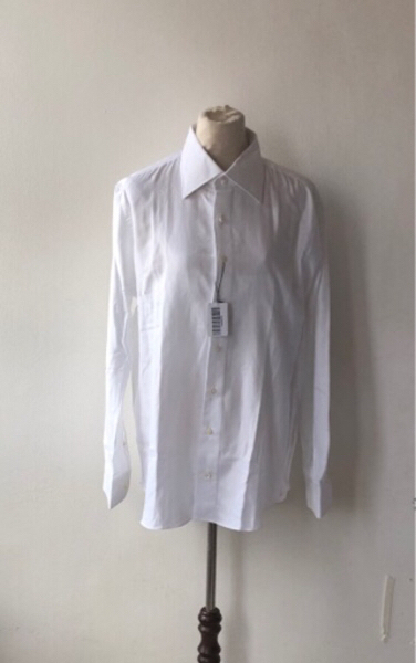 Used Cordone White Long Sleeves/ read down in Dubai, UAE