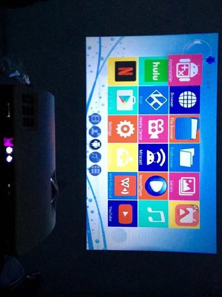 Used AUN LED ANDROID 6.0.1 PROJECTOR in Dubai, UAE