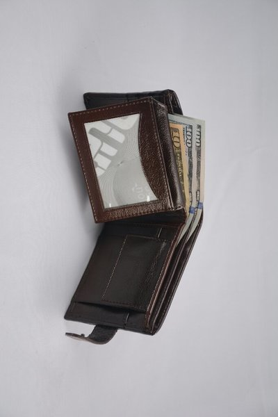 Used Oriyana bifold wallet Brown in Dubai, UAE