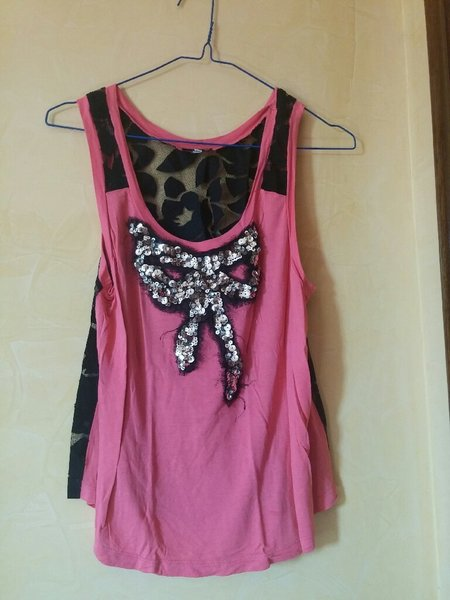 Used Cutest lace back crop pink top in Dubai, UAE