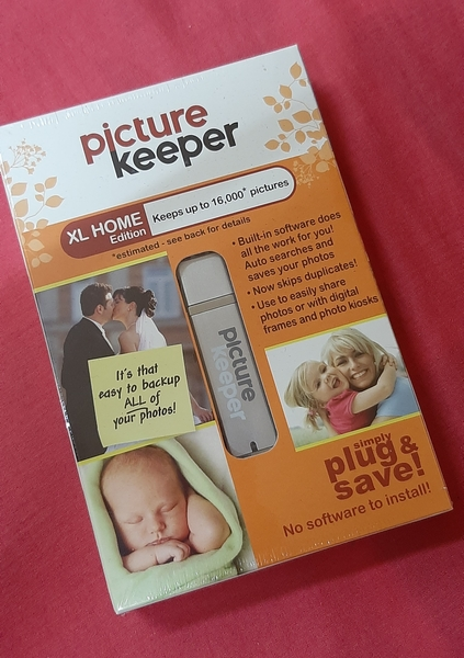 Used Picture keeper 2 pcs, bundle offer in Dubai, UAE