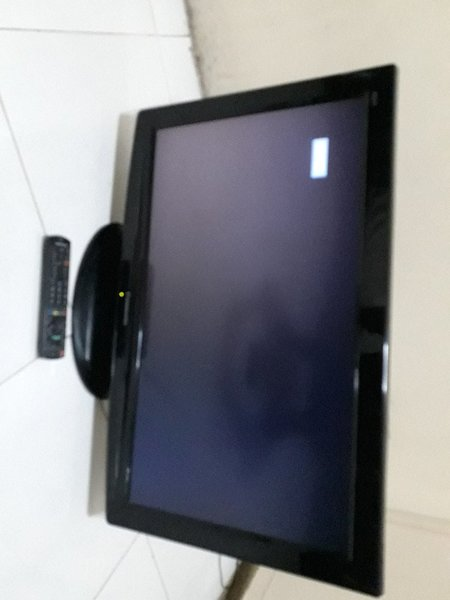 """Used 32"""" lcd Panasonic tv with remote& stand. in Dubai, UAE"""