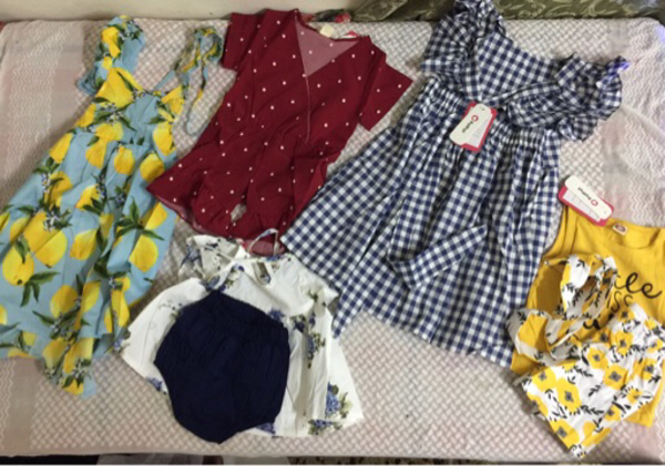 Used 19Baby dress 4babys sets 4top and pant in Dubai, UAE