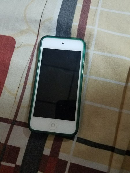 Used Apple ipod 6th generation 32 gb in Dubai, UAE