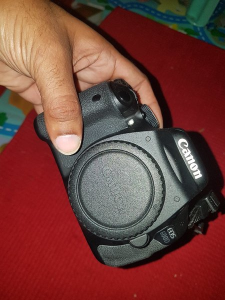 Used CANON 600D WITH 75-300MM great offer in Dubai, UAE