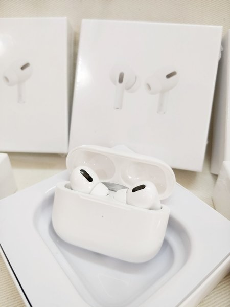 Used NEW AIR3 AIRPODS WIRELESS EID OFFER 😁 in Dubai, UAE