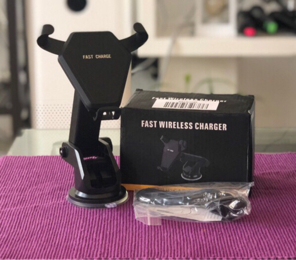 Used Fast wireless Charger (2N1) in Dubai, UAE
