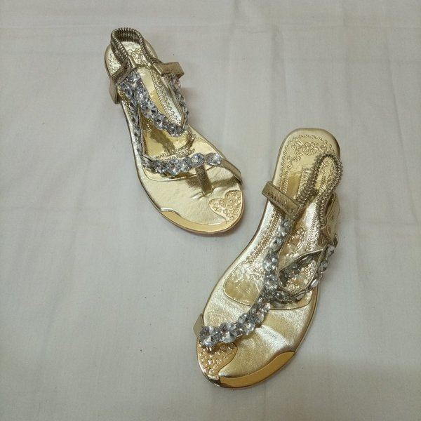 Used Sandals For Her in Dubai, UAE