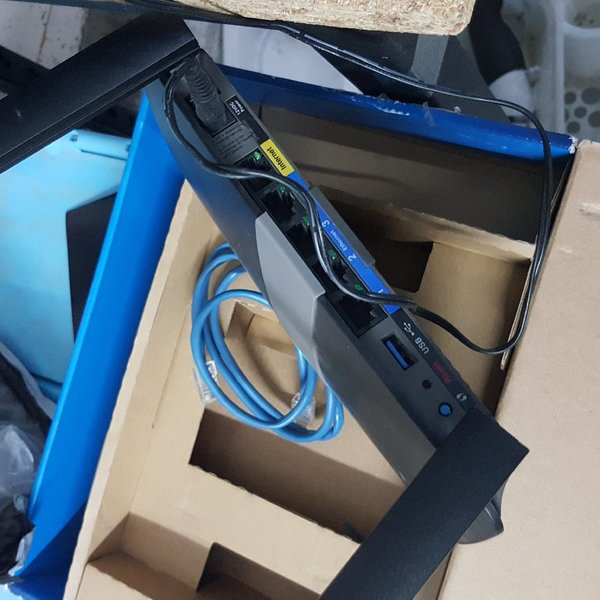 Used Used like New LINKSYS ROUTER in Dubai, UAE