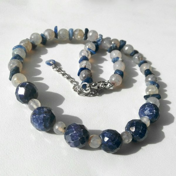 Used Handmade gemstones necklace set in Dubai, UAE