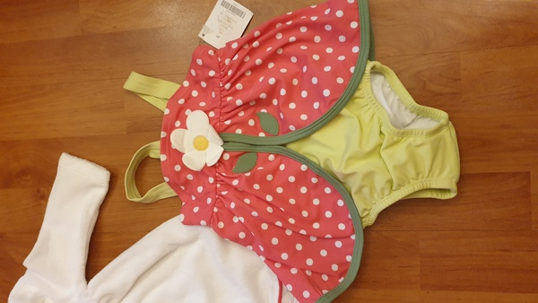 Used set of 2 swimming for baby girl💥SALE💥 in Dubai, UAE
