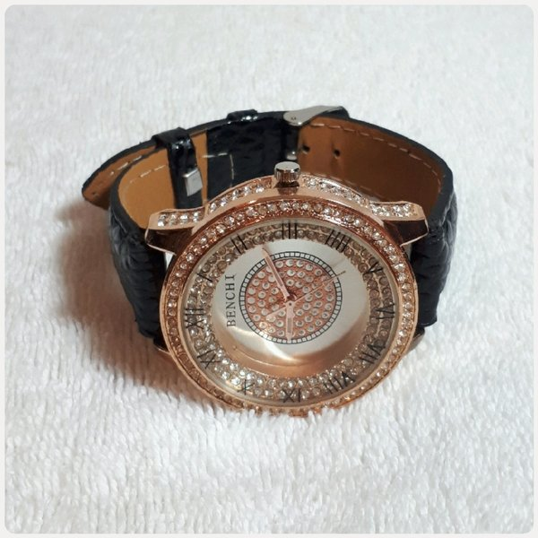 Used Unique Benchi watch for lady in Dubai, UAE