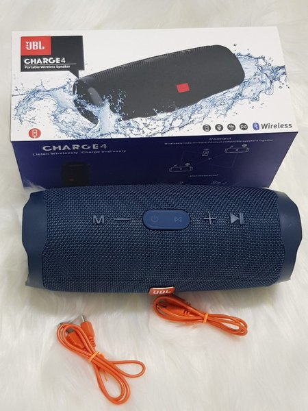 Used Higher sound speakers charge 4° in Dubai, UAE