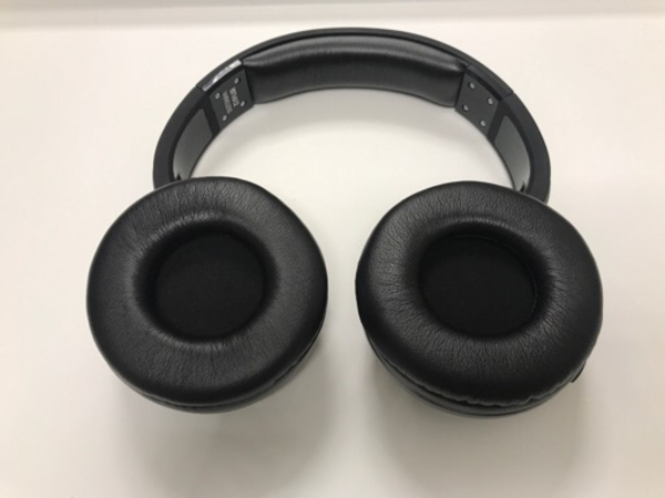 Used Wireless Stereo Headset Phonecalls/music in Dubai, UAE