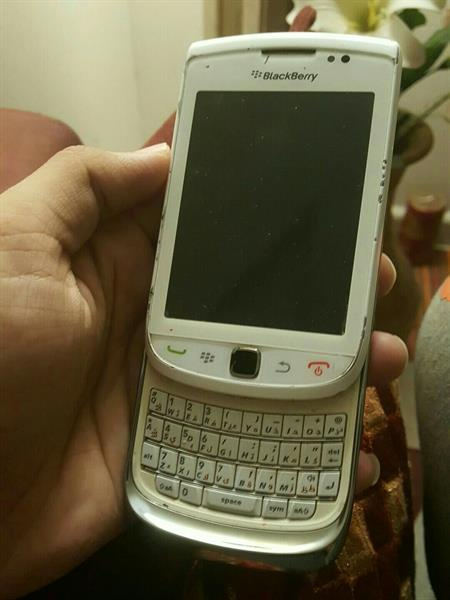 Used Blackberry Torch (Works Perfect)  in Dubai, UAE