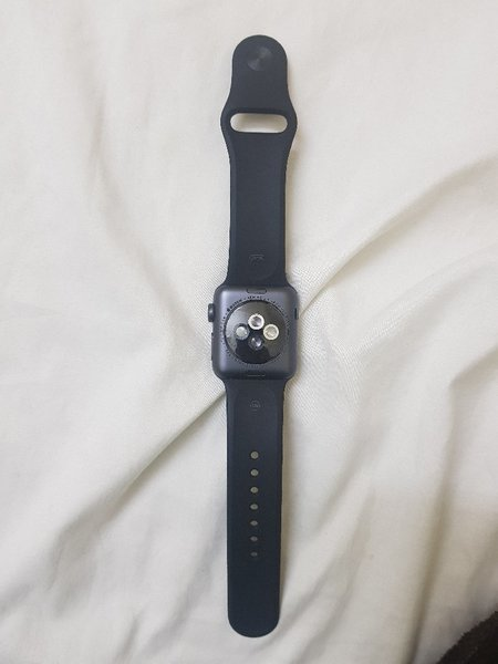 Used Apple watch 3,38mm,gps+cellular in Dubai, UAE