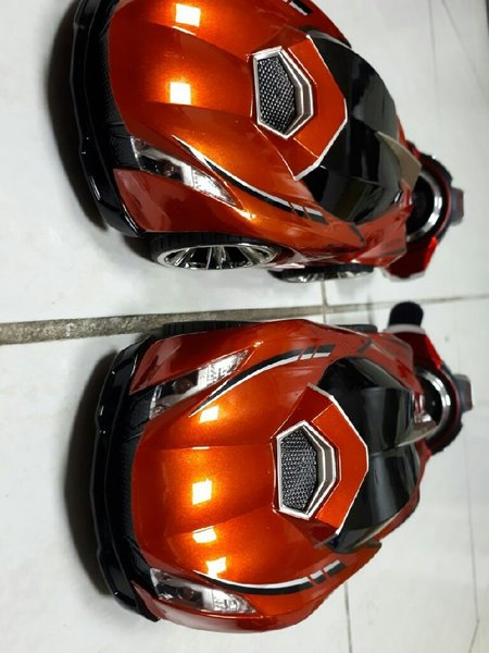Used 2 Rc cars with 2 remote watches in Dubai, UAE