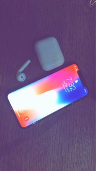 Used IPhoneX 64g. New used only few days in Dubai, UAE