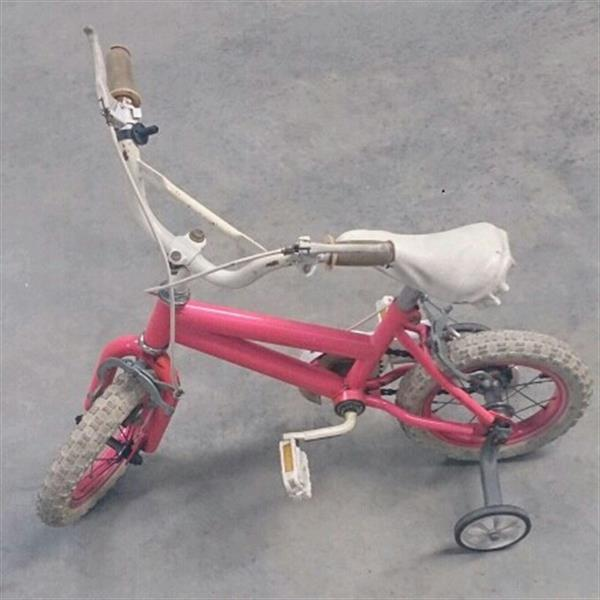 Used Preloved Pink Cycle In Perfect Condition. in Dubai, UAE