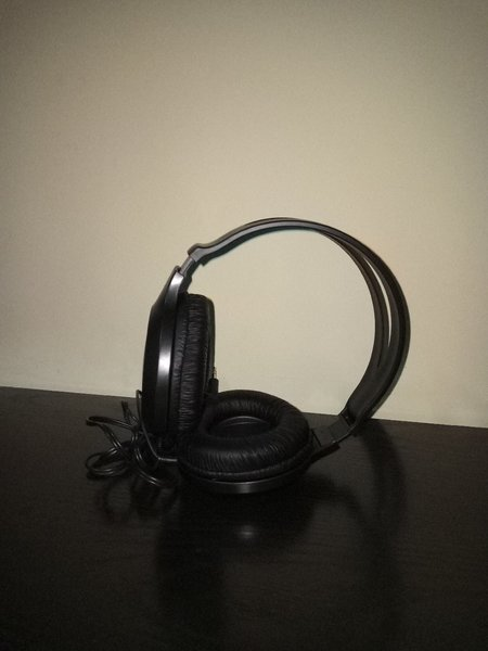 Used Stereo headphones in Dubai, UAE