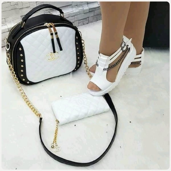 Used FABULOUS CHANNEL BLACK AND WHITE in Dubai, UAE