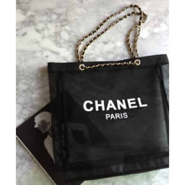 Used Authentic Chanel VIP gift in Dubai, UAE