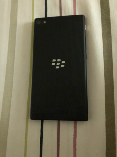 Used Blackberry Z3 with charger and cable in Dubai, UAE