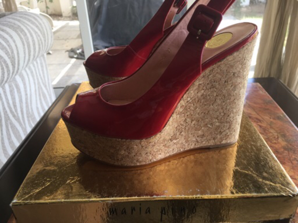 Used Maria pino brand new in the nice size 37 in Dubai, UAE