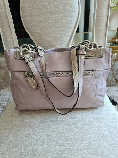 Used ORIGINAL COACH REAL LEATHER BAG.. in Dubai, UAE
