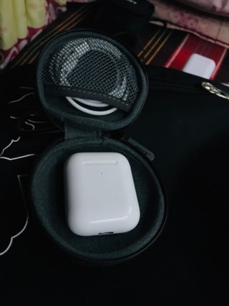 Used apple air pods A+ copy with airpods bag in Dubai, UAE