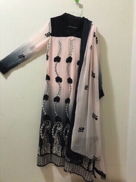 Used Pure Chiffon Embriodered dresss 3 pcs. in Dubai, UAE