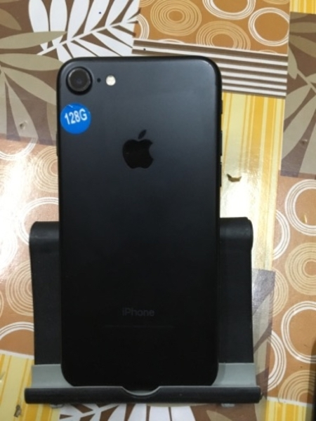 Used Iphone 7 (128gb) Mate Black Colour Avail in Dubai, UAE