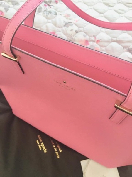 Used Kate Spade shopping bag in Dubai, UAE