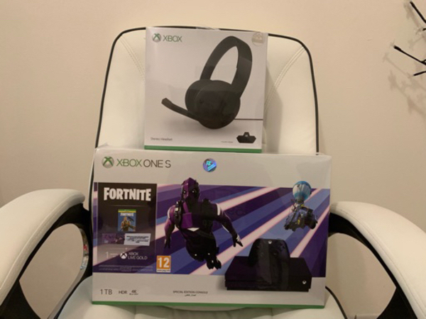 Used Xbox one headset in Dubai, UAE