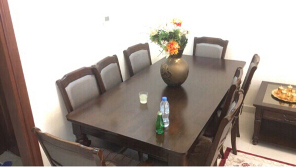 Used Dinning table Almost brand new !! in Dubai, UAE