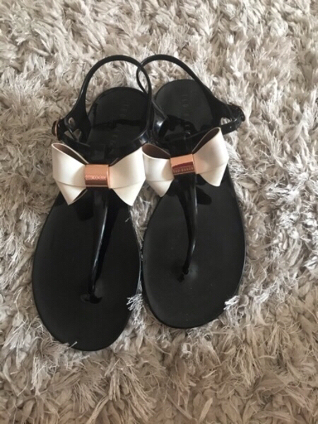 Used TED BAKER SANDALS..WORN ONCE..SIZE40.. in Dubai, UAE