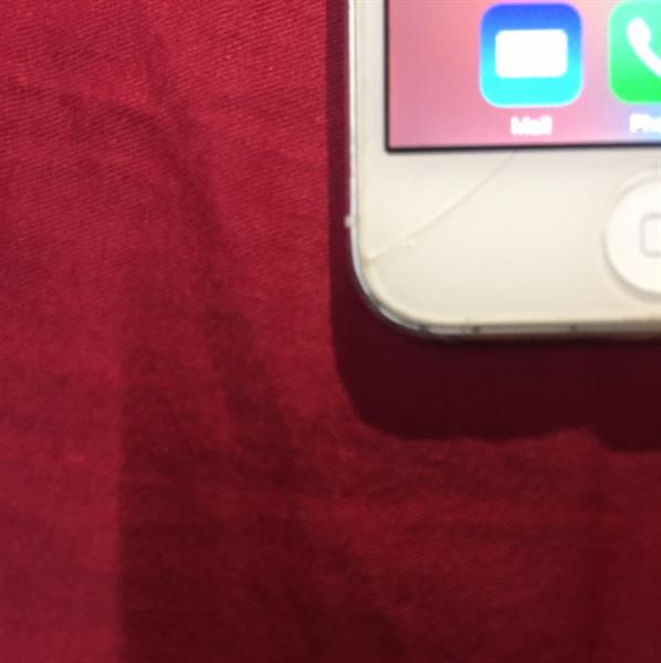 Used iPhone 5 16gb With FaceTime And Box in Dubai, UAE