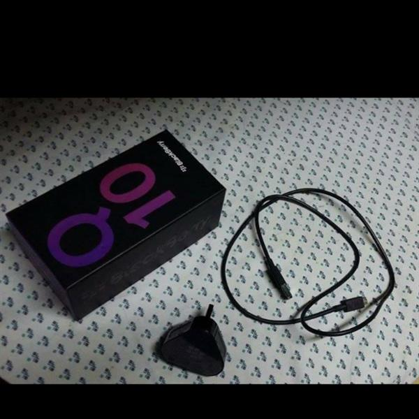 Blackberry Q10 , Perfect Condition + Charger And The Box .