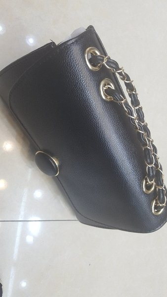 Trendy leather purse