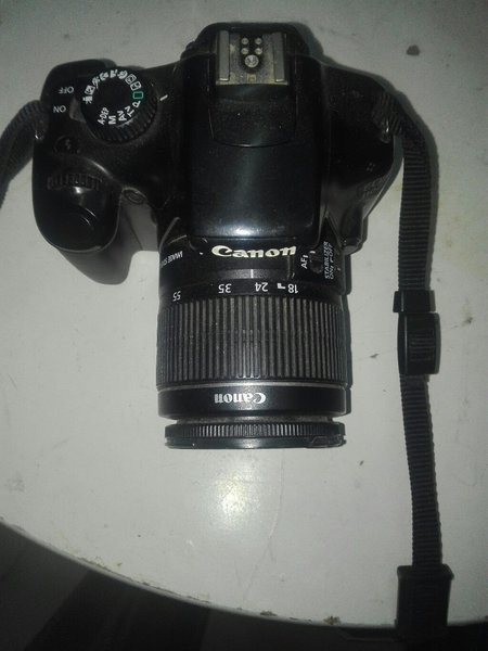 Used Canon EOS 1100D in good condi with 4gb  in Dubai, UAE