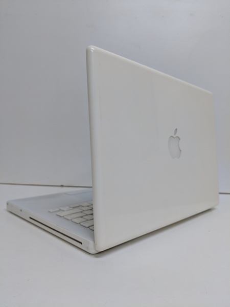 Used MacBook 13 inch A1181 in Dubai, UAE
